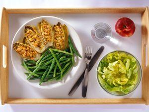 Gefüllter Salat mit Bohnen Rezept