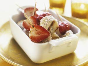 Gegrillte Bananen-Erdbeerspieße mit Kokos Rezept