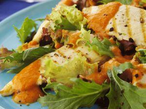 Gegrillte Hähnchenbrust mit Blattsalat Rezept
