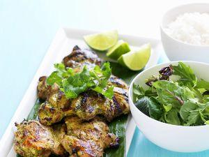 Gegrillte Hähnchenteile mit Salat Rezept