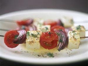 Gegrillte Käse-Tomaten-Spieße Rezept