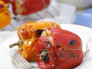 Gegrillte Paprikaschoten mit Reisfüllung Rezept