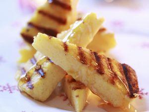 Gegrillte Polentastücke mit Honig Rezept