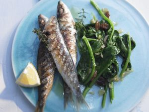 Gegrillte Sardinen mit Spinat Rezept