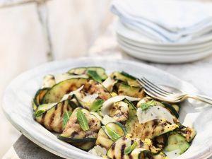Gegrillter Zucchinisalat mit Minze und Parmesan Rezept