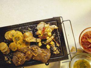 Gegrilltes Fleisch und Gemüse Rezept