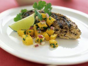 Gegrilltes Hähnchenfilet mit Salsa aus Mango Rezept