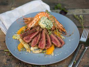 Gegrilltes Steak mit Garnelen, Fenchel und Orangen Rezept