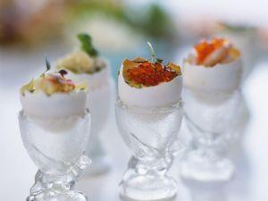 Gekochte Eier mit verschiedenen Toppings Rezept