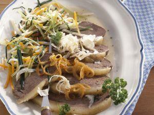 Gekochtes Rindfleisch mit Suppengemüse Rezept