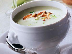 Gekühlte Kartoffelsuppe mit Lauch und Pilzen Rezept