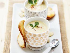Gekühlte Mandelsuppe mit Knoblauch Rezept