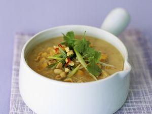 Gelbe Schälerbsensuppe mit Hühnerfleisch Rezept
