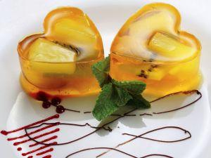 Gelee-Herzen mit Obst Rezept