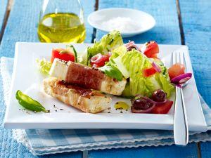 Gemischter Salat mit Käsesticks Rezept