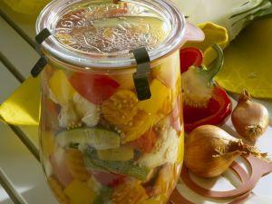 Gemischtes eingelegtes Gemüse Rezept