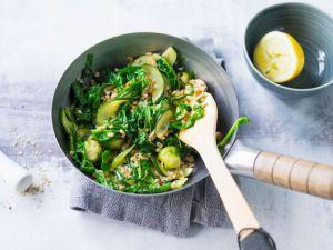 Gemüse-Dinkel-Wok mit Zucchini Rezept