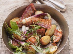 Gemüse-Kartoffel-Pfanne mit Speck und Kräutern Rezept