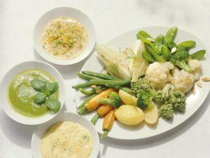 Gemüse mit drei Saucen Rezept
