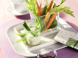 Gemüse-Sticks mit zweierlei Saucen Rezept