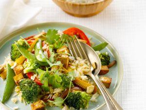 Gemüsepfanne mit Tofu und Reis Rezept