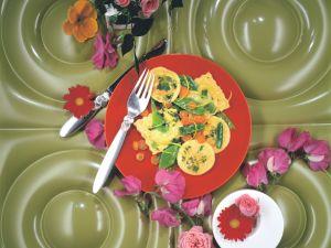 Gemüseravioli mit Zuckerschoten in Zitronenbutter Rezept
