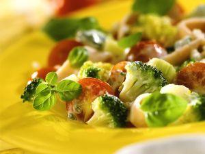 Gemüsesalat mit geräucherter Putenbrust Rezept
