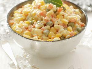 Gemüsesalat mit Mayonnaise Rezept