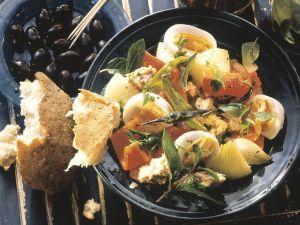 Gemüsesalat mit Thunfisch und Ei Rezept
