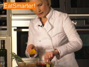 Video: Gemüsespieße grillen