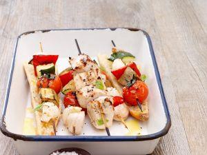 Gemüsespieße mit Hähnchen vom Grill Rezept