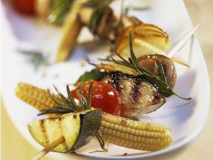 Gemüsespieße vom Grill mit Tomatensalsa Rezept