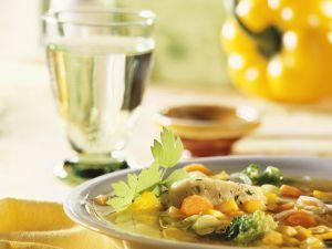 Gemüsesuppe mit Grießklößchen Rezept