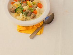Gemüsesuppe mit Hackbällchen Rezept