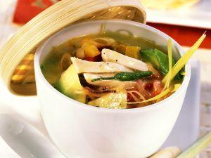 Gemüsesuppe mit Hähnchen Rezept