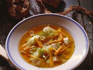 Gemüsesuppe mit Scholle Rezept