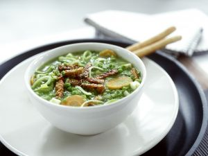 Gemüsesuppe mit Tempeh Rezept