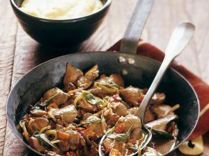 Geschmorte Hühnerleber und Polenta Rezept