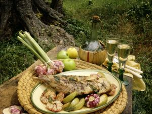 Geschmortes Kräuter-Knoblauch-Kaninchen mit Äpfeln Rezept