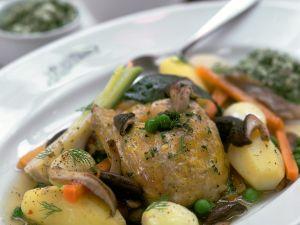 Geschmortes Maishähnchen mit Gemüse Rezept
