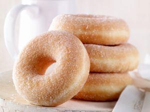 Gezuckerte Doughnuts Rezept