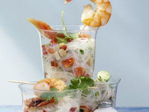 Glasnudel-Papaya-Salat mit Avocado, Tofu und Garnelen Rezept