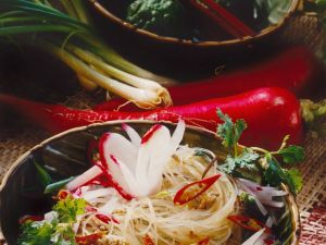 Glasnudelsalat mit Pilzen und Hackfleisch Rezept