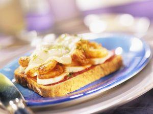 Gratinierter Toast mit Bananen und Shrimps Rezept