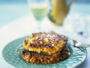 how to cut aubergine for moussaka