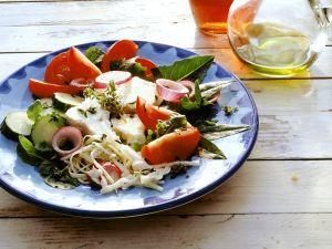 Griechischer Salat mit Weißkohl Rezept