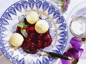 Grießbällchen mit Kirschsoße Rezept