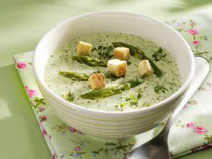 Grüne Spargelsuppe mit Kräutern Rezept
