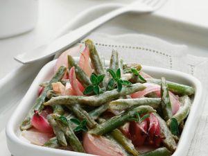 Grünen Bohnen mit Kräutern und Zwiebeln Rezept
