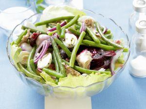 Grüner Bohnensalat mit Thunfisch, Roter Bete und Wachteleiern Rezept